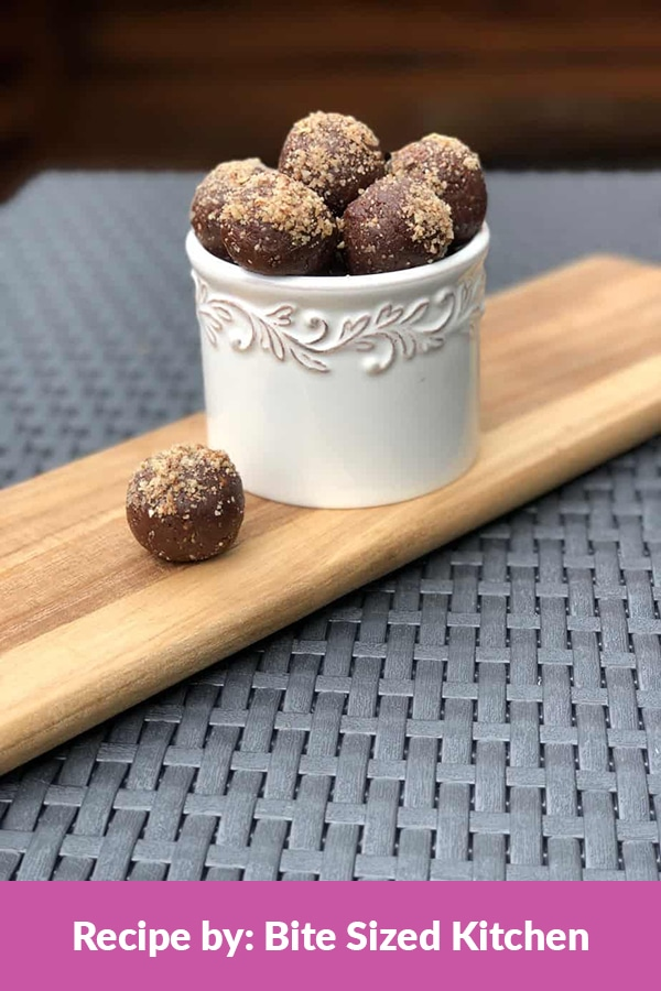 healthy chocolate chia energy bites